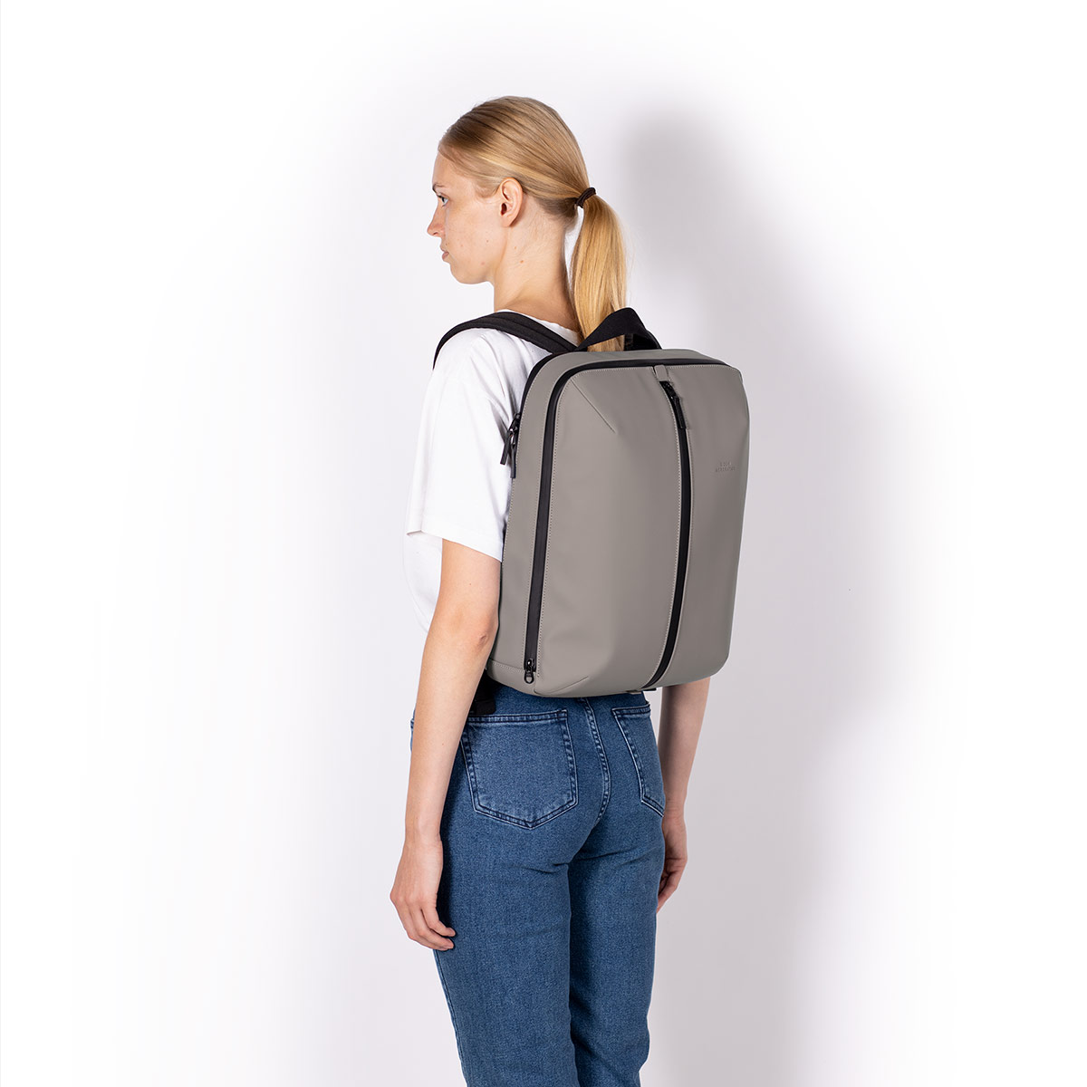UA_Janne-Backpack_Lotus-Series_Dark-Grey_09