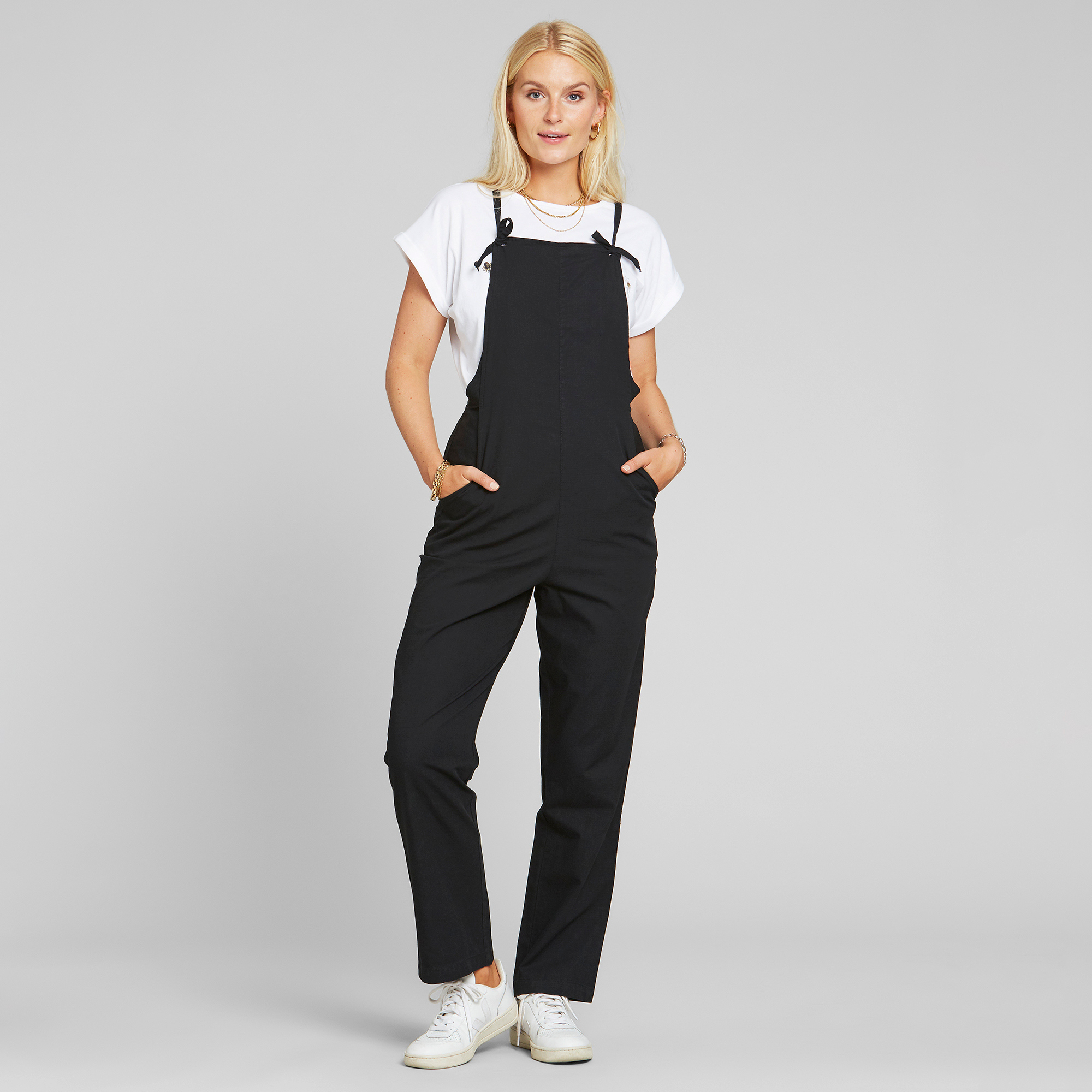 DEDICATED-EMMABODA-JUMPSUIT-Dungaree-Latzhose-black