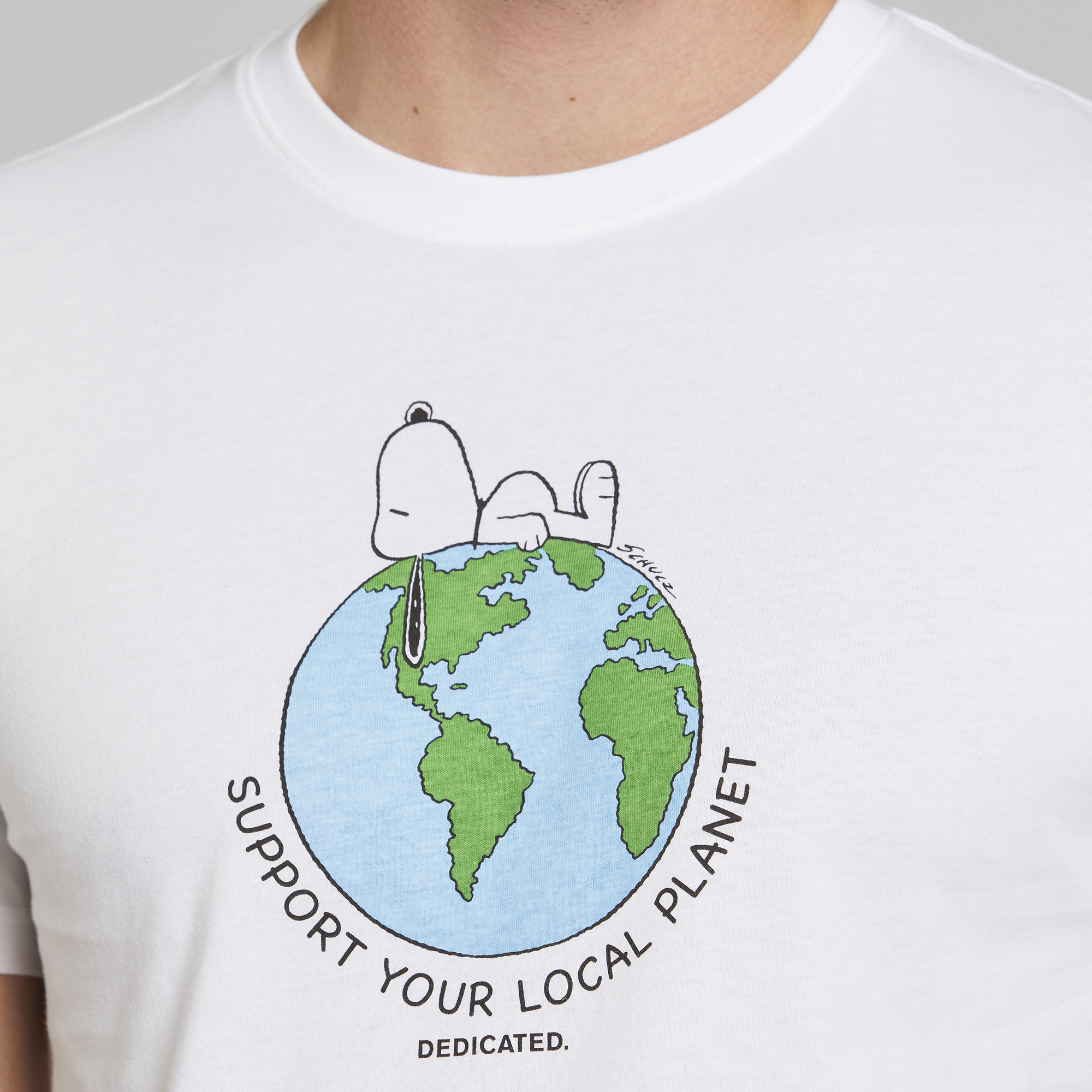 DEDICATED-SNOOPY-EARTH-Stockholm-Shirt-white20