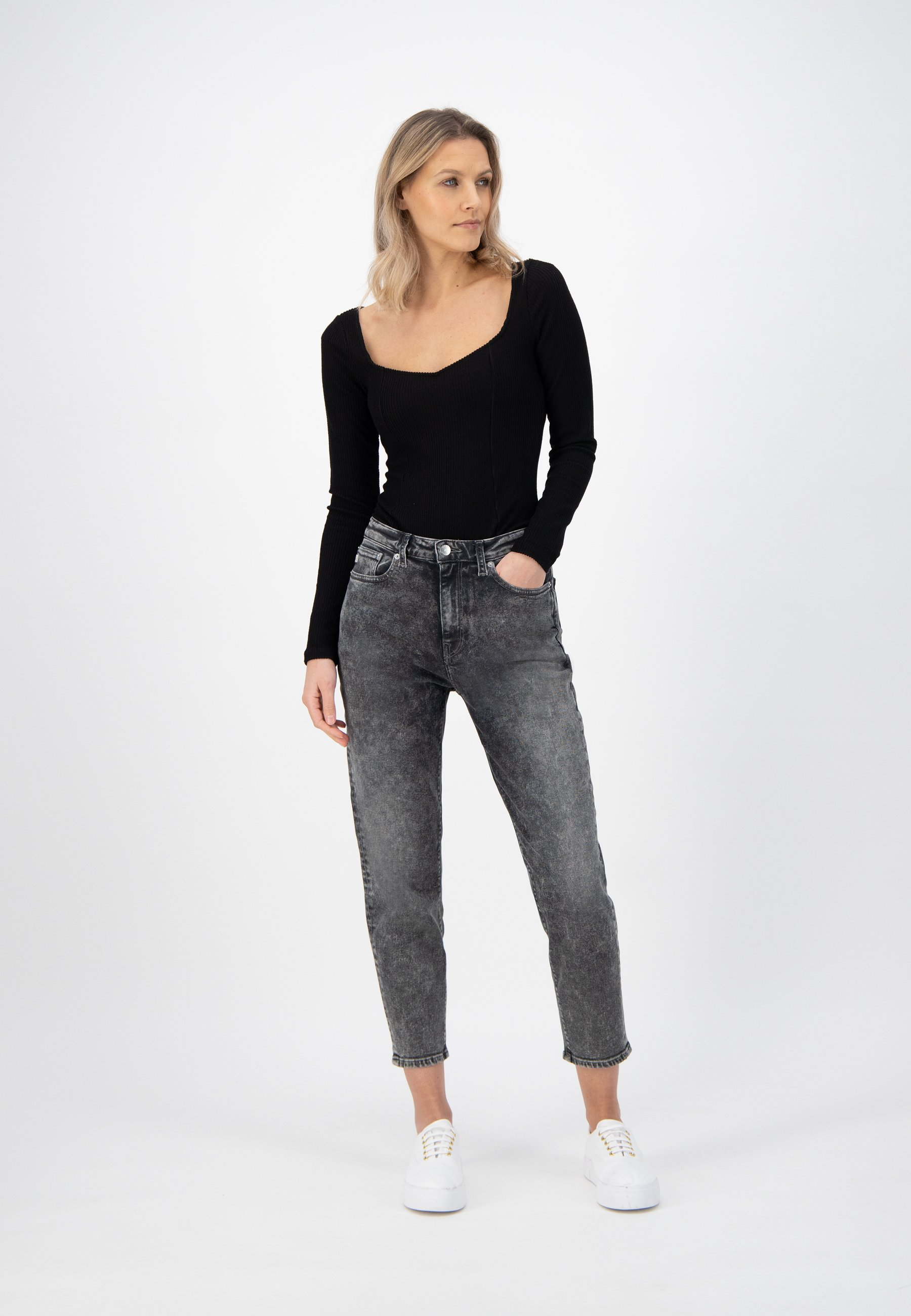 MUD-JEANS-MAMS-TAPERED-STRETCH-Jeans-heavy-stone-black