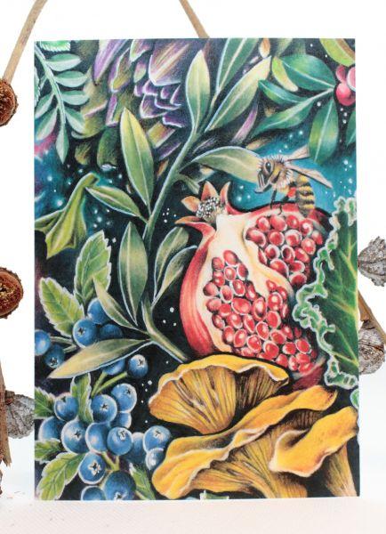 VEGGIE UNIVERSE GRANAT Art Print Postkarte von Jessica Mach